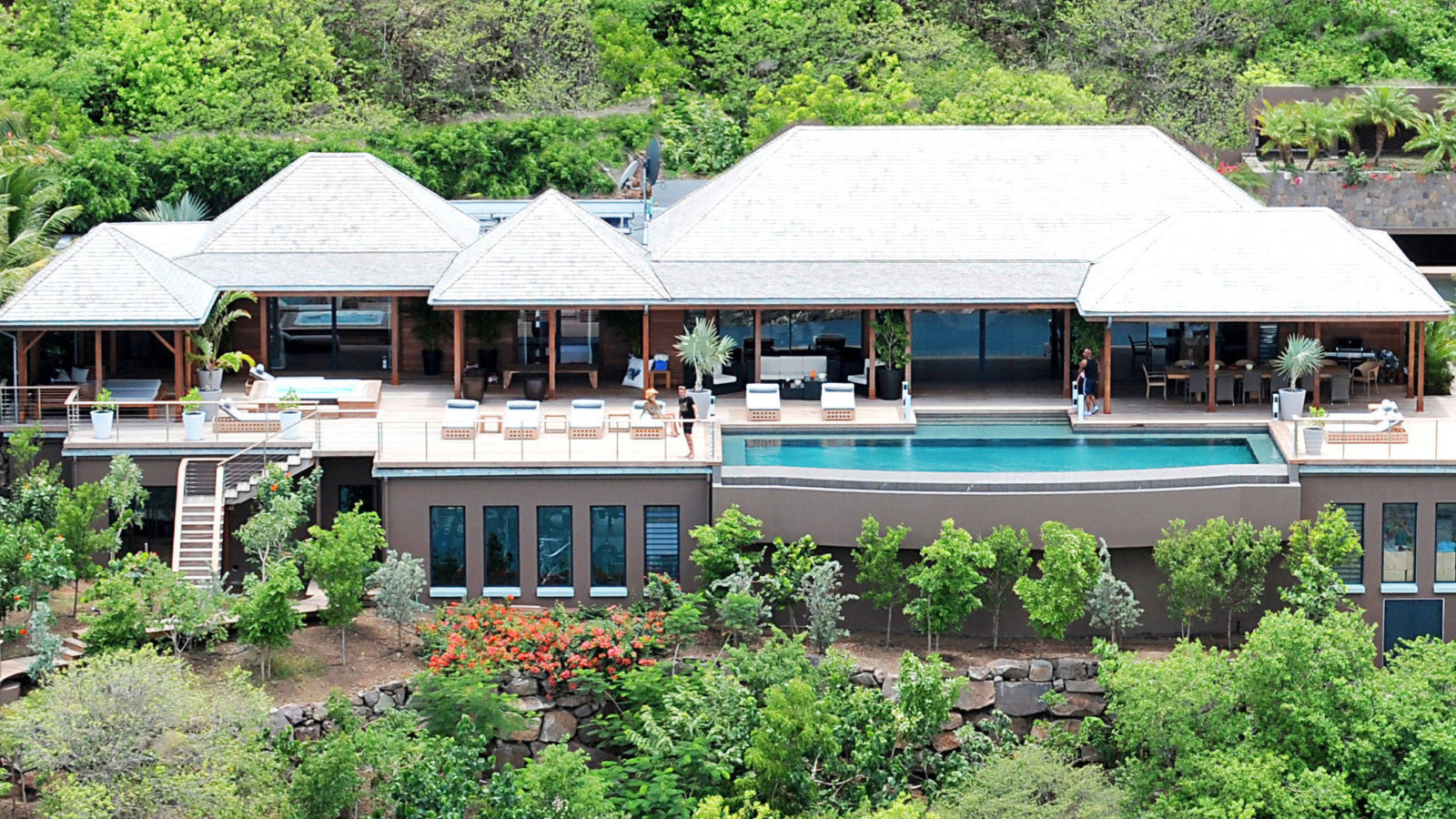Rent Johnny Hallyday's Luxurious St. Barth Villa For $5,000 A Night 2