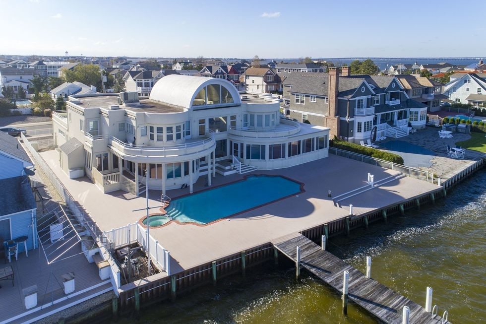 Actor Joe Pesci's $6.5 Million Jersey Shore Mansion is For Sale 4