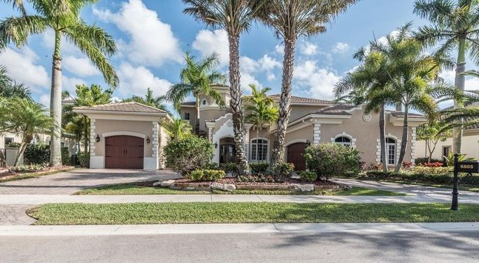 Hockey Star Jussi Jokinen Wants to Pass Florida Home to a Buyer for $1.85M 4