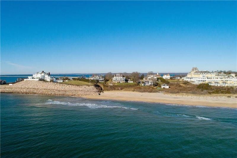 Rhode Island mansion near Taylor Swift's home sells for $17.6 million 12