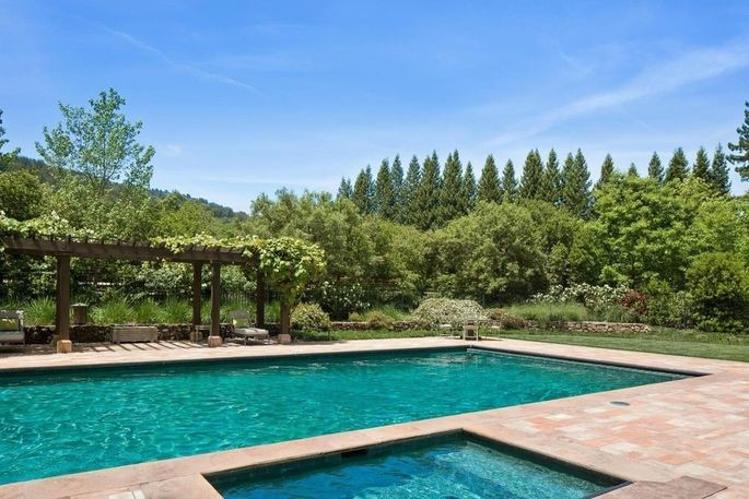 Michelle Pfeiffer Sells Her Silicon Valley Compound for $22M 12
