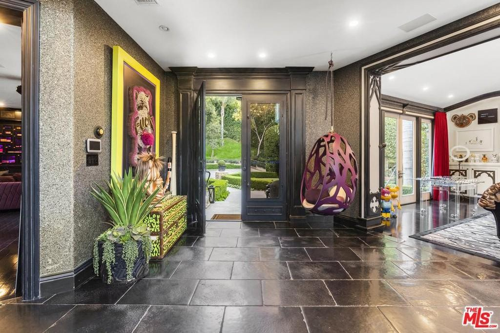 Dr. Phil Lists Bonkers Beverly Hills Mansion for $5.75M 9