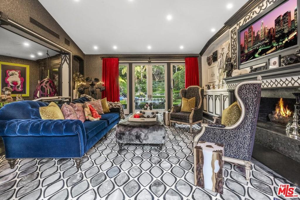 Dr. Phil Lists Bonkers Beverly Hills Mansion for $5.75M 10