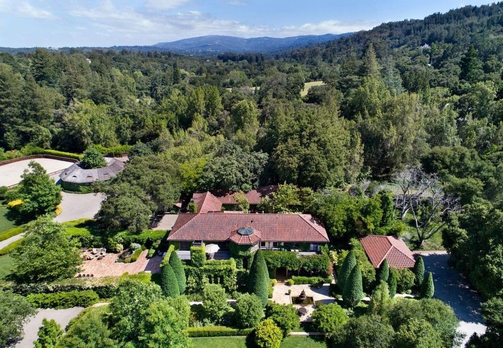 Michelle Pfeiffer Sells Her Silicon Valley Compound for $22M 7